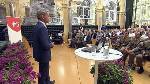 Video: «5 anni di sfide e di successi per Arnold Schuler»