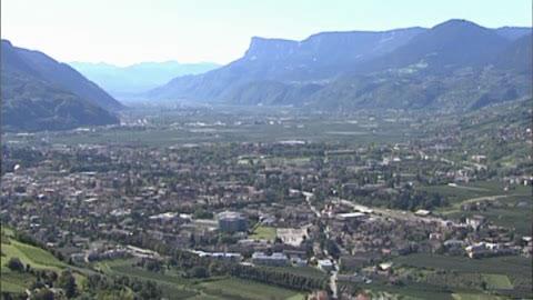 Video: «RED - Wiederbelebung alte Bausubstanz - Universität Romatre»