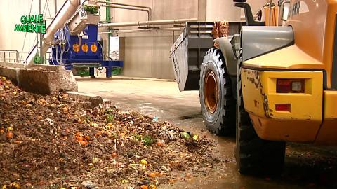 """Video: «Terzo aggiornamento del """"Piano di gestione dei rifiuti 2000"""", una trasmissione del ciclo """"Quale ambiente"""". BCool-Comunicare-Oltre Bolzano»"""