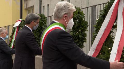 Video: «25 aprile: il Presidente Kompatscher al muro del Lager di Bolzano»