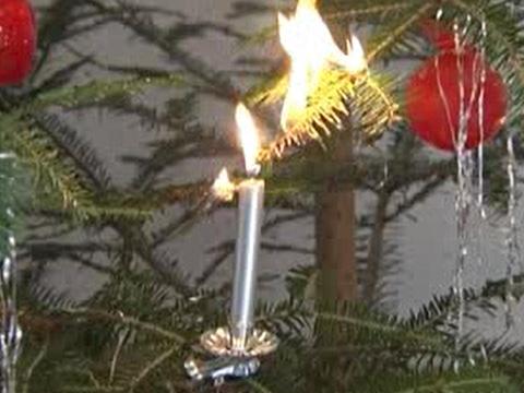 Video: «Verhalten bei Brand eines Christbaumes»