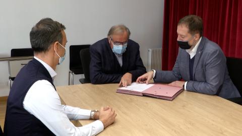 Video: «Schulzentrum Stern: Vereinbarung Land - Gemeinde Abtei unterzeichnet»