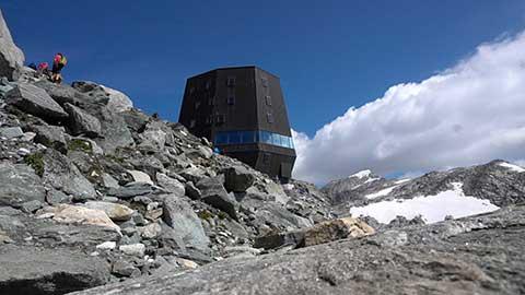 Video: «Neue Schutzhütte am Schwarzenstein eröffnet: Ein Zeichen der Gastfreundschaft dieses Landes»