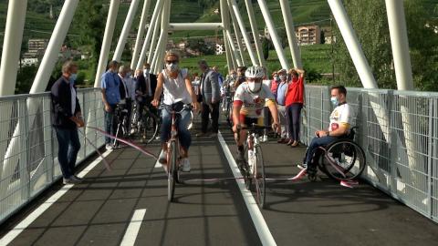 Video: «Neue Radbrücke über den Eisack in Bozen/Kampill eröffnet»