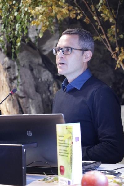 Video: «Therapie zur Heilung der Birkenpollenallergie durch Apfelkonsum»