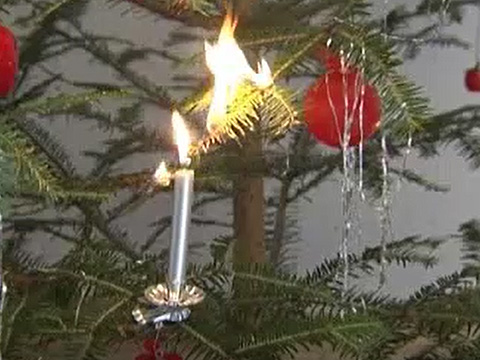 Video: «Incendio albero di Natale»